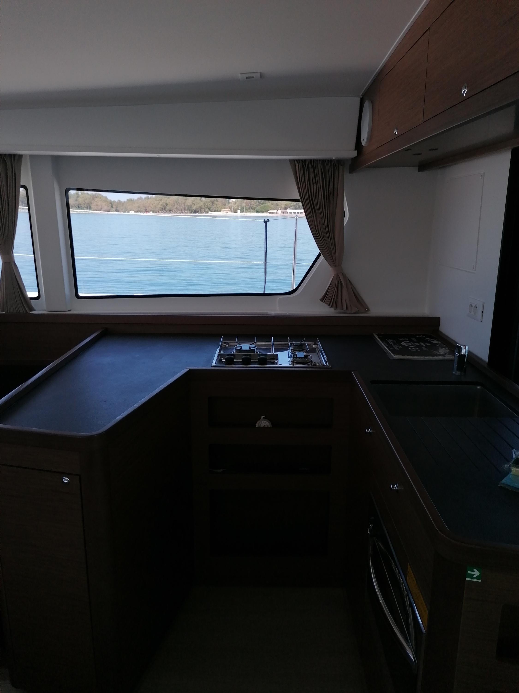 lagoon 42 cucina