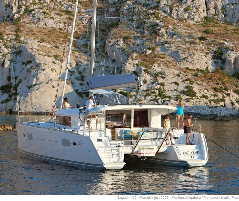 lagoon_400_s2 yacht charet Aeolian Islands.jpg