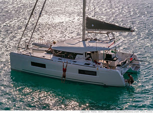 new catamaran lagoon 40, 4 cabins 4 toilets to rent in Aeolian Islands