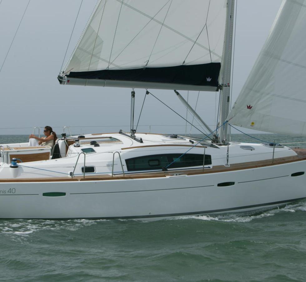foto oceanis 40 barca vela alle Isole Eolie