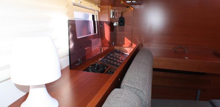 interni barca a vela yacht charter sardegna
