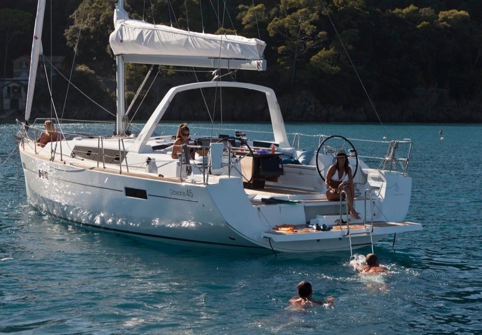 foto barca a vela a noleggio e locazione a Panarea, Isole Eolie