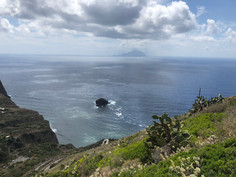 Isole Eolie Salina Pollara.jpg