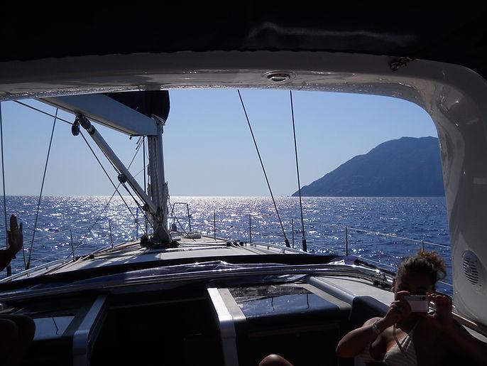 in navigazione su oceanis 58 eolie.jpg