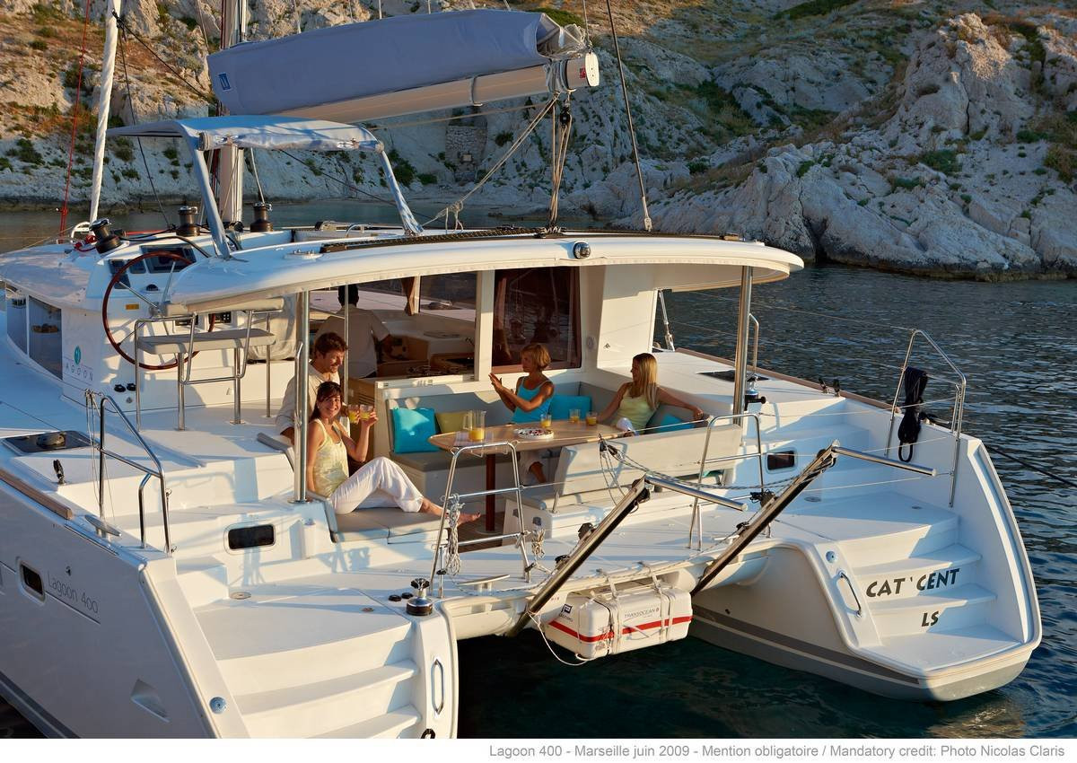lagoon_400_s2 catamaran to rent in Sicily
