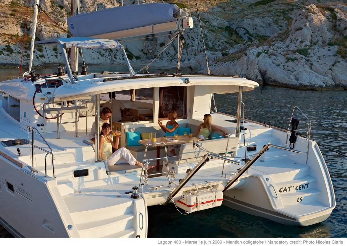lagoon_400_s2 catamaran to rent in Sicily
