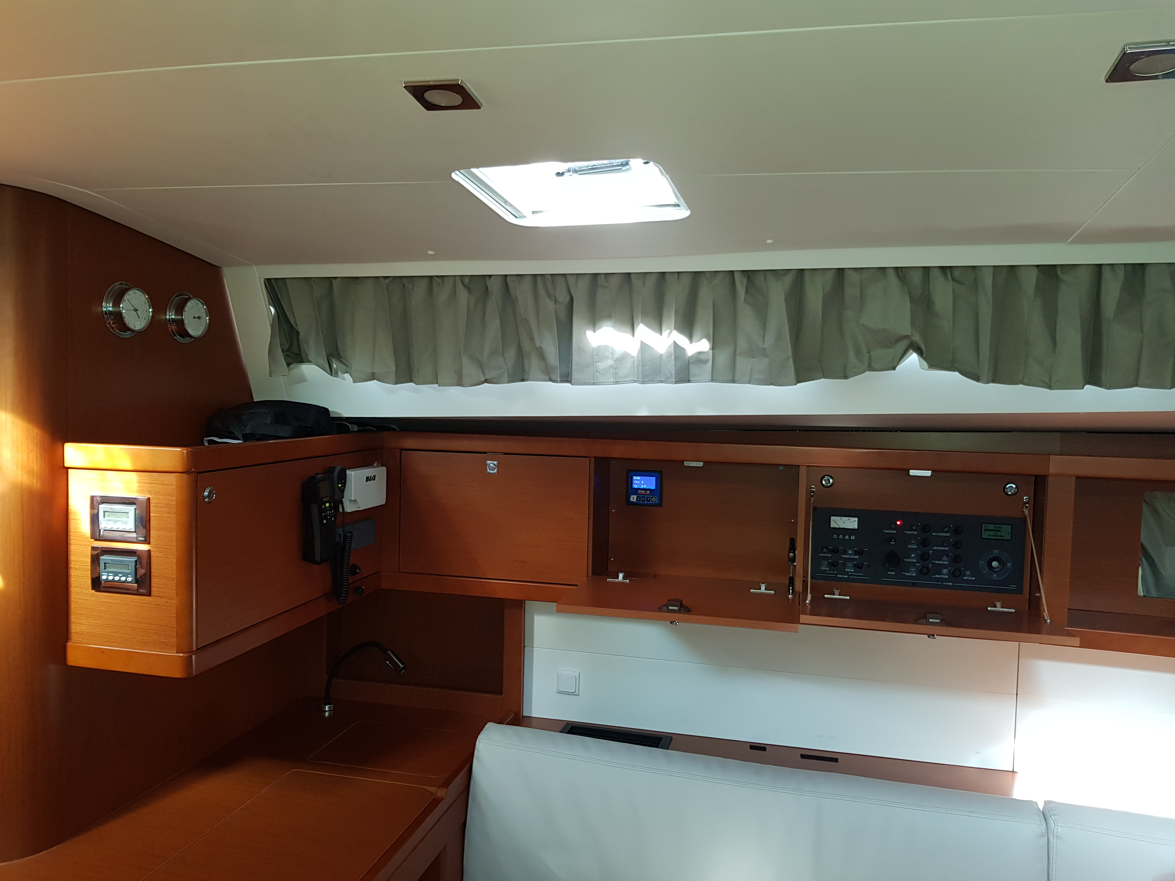 oceanis 48 senza fine - Yacht charte