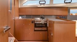 oceanis 41.1 kitchen