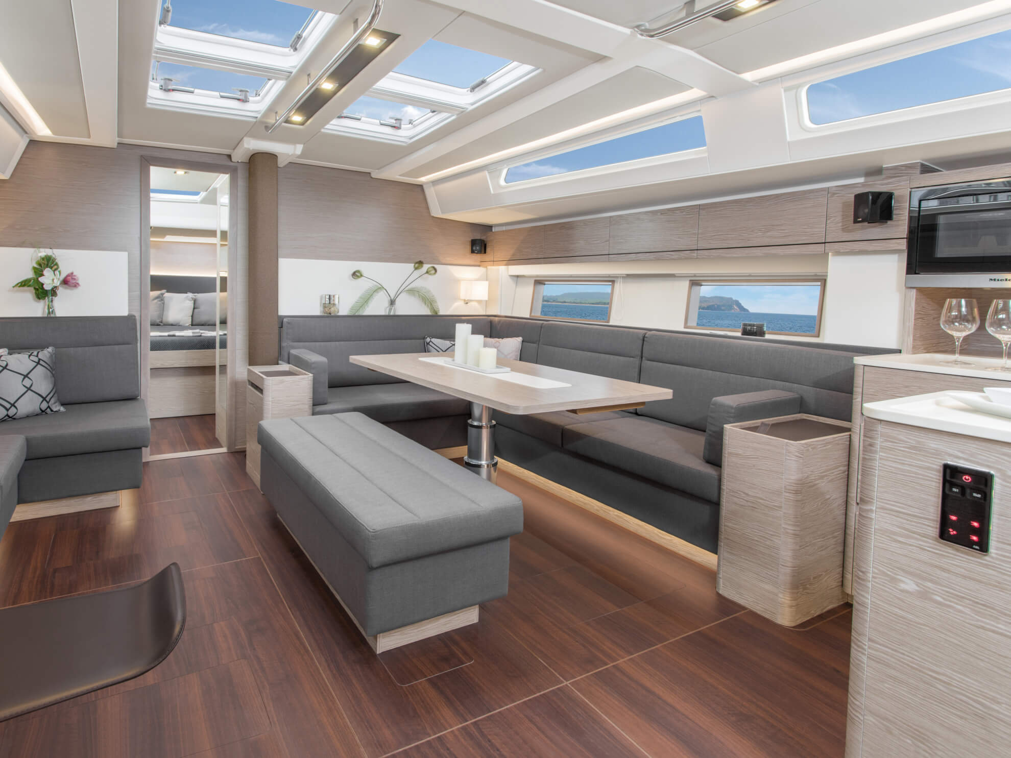 hanse-548-photo-interieur-2018-hanse-548