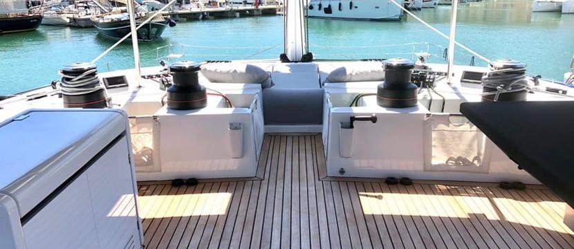 catamarano di lusso a noelggio con equipaggio in Grecia