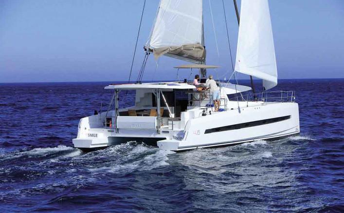 Bali 45 catamarano spaziosissimo