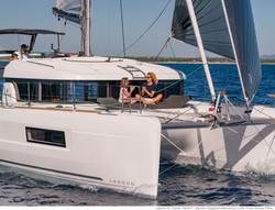 lagoon 40 Yacht charter