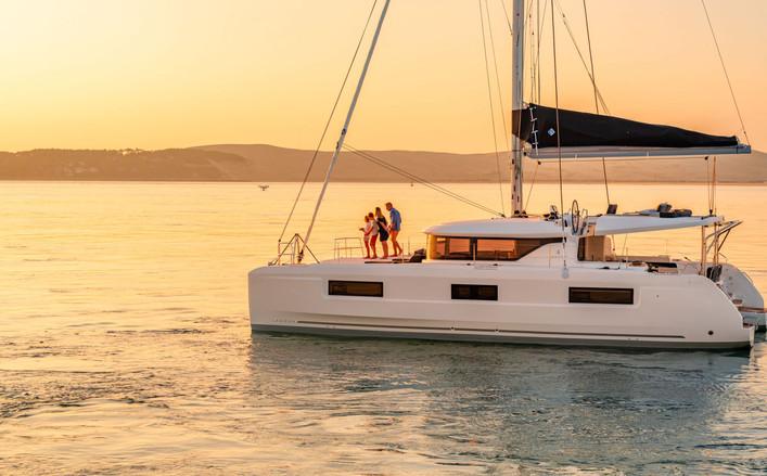 Catamarano lagoon 46 , disponibile in charter a Salerno