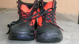 Rifiutarsi di indossare le scarpe antinfortunistiche