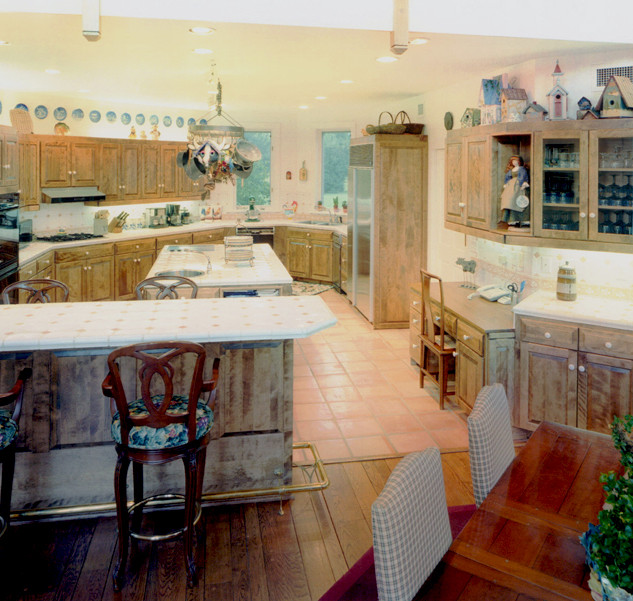 Features a Cook's Kitchen