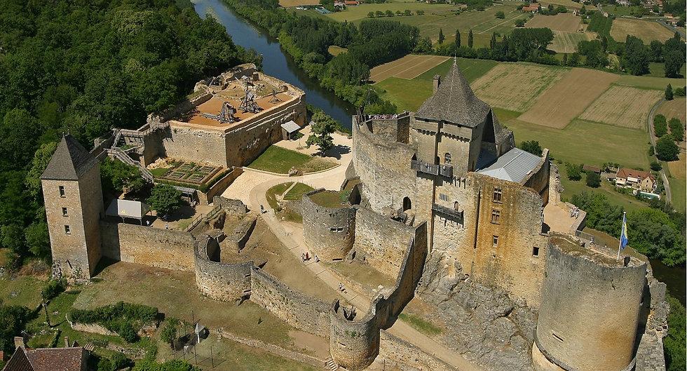 chateau-village-dordogne_Jean-Marie-Laugery-1278x690.jpeg