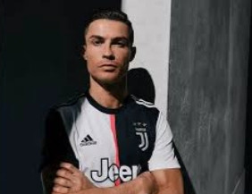 Serie A : Christiano Ronaldo  stealed serious win for Juventus !!