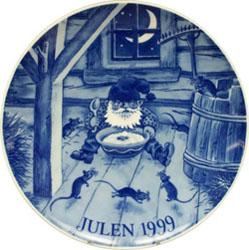 1999 Porsgrund Christmas Plate, Midnight Snack