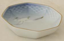 B&G Seagull #303331 Octagon Tray 3 1/2 in.