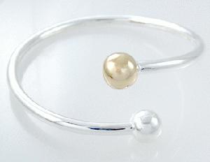 Josefine   Pearl Bracelet