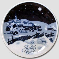 1982 Porsgrund Christmas Plate, White Christmas
