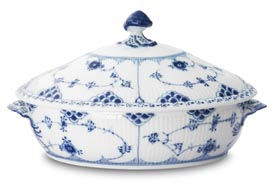 RC #1102172 Oval Covered Veg. Dish 11 in.