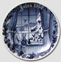 1994 Porsgrund Christmas Plate, Feeding Birds