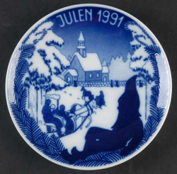 1991 Porsgrund Christmas Plate, Going to Church