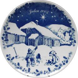 2005 Porsgrund Christmas Plate, Kids Playing