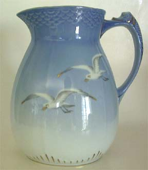 B&G Seagull #1303445 Large Pitcher 8 in.