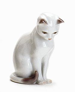 RC 1020499 Cat, White