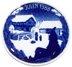 1988 Porsgrund Christmas Plate, Snow Falling
