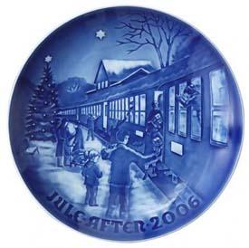 2006 B&G Christmas Plate - Boarding the Train