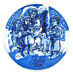 1986 Porsgrund Christmas Plate, Christmas Caroling