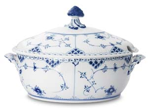 RC #1017211 Oval Soup Tureen 10 1/2 in.