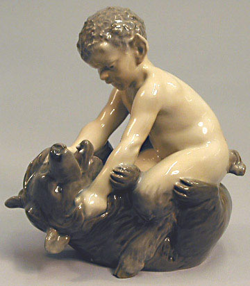 RC 0648 Faun wrestling Bear