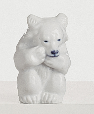 RC 1003235 Polar Bear, Sitting