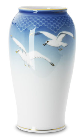 B&G Seagull #303682 Large Vase 8 1/2 in.