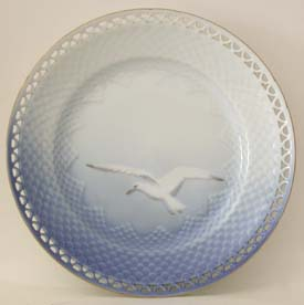B&G Seagull #326.5 Plate (open) 8 1/2 in.