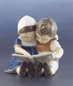 RC 1021402 Reading Children
