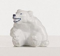RC 1003248 Bear, Sitting