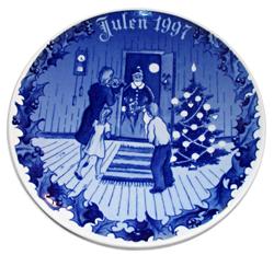 1997 Porsgrund Christmas Plate, Here Comes Santa