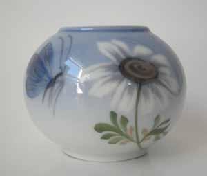 RC Art Nouveau Style Vase, Butterfly & Flower