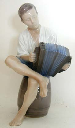 B&G 1661 'Merry Sailor' - Boy with Accordian