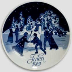 1981 Porsgrund Christmas Plate, Christmas Skating
