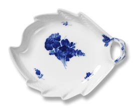 RC #1107357 Leaf Shapped Dish 9 In.
