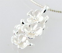 Josefine   Silver Necklace, Magnolia