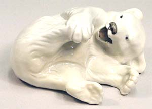 RC 1020072 Polar Bear, Playing