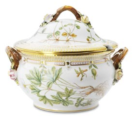 RC #1141184 Oval Covered Soup Tureen, Medium