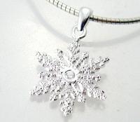 Josefine   Snowflake Necklace
